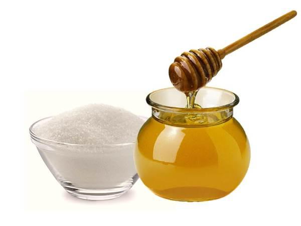 A combinação de mel e açúcar é ótima para esfoliar a pele. (Foto: Divulgação)